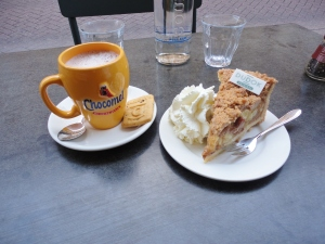 The famous Dudok Dutch apple pie...and some not-so-yummy Chocomel.